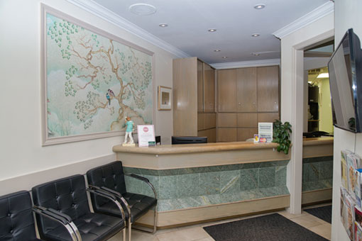 office-toronto-dentist-front-reception
